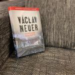 Nová detektívka od Václava Neuera: Nie každé dedičstvo je šťastím. Toto je prekliate a môže zabíjať