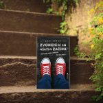 Kniha Zvonením sa všetko začína od Mareka Zákopčana: Príbeh zo stredoškolského prostredia podaný s nadhľadom a humorom